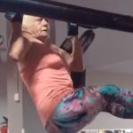vovó 69 anos pega pesado academia