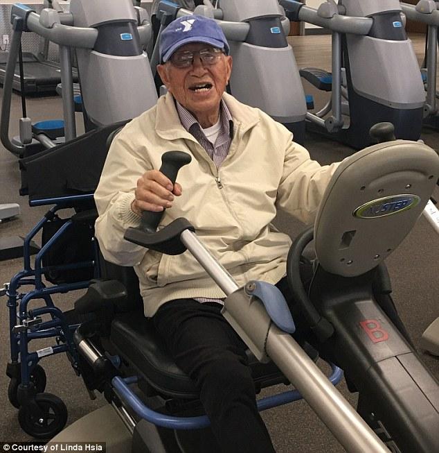 Vovô 111 ano exercita todos dias inspira sedentários