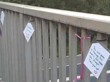 Mulher impediu 14 pessoas de cometerem suicídio com bilhetes de ajuda 1