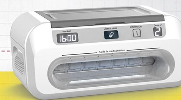 Designer cria máquina serve remédios hora marcada