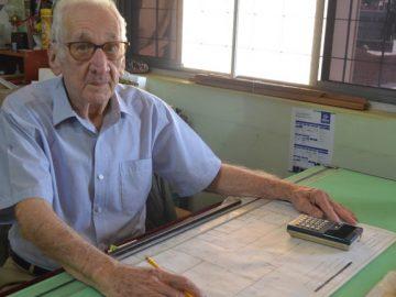Vovô 90 anos faz faculdade Arquitetura Urbanismo Ribeirão Preto