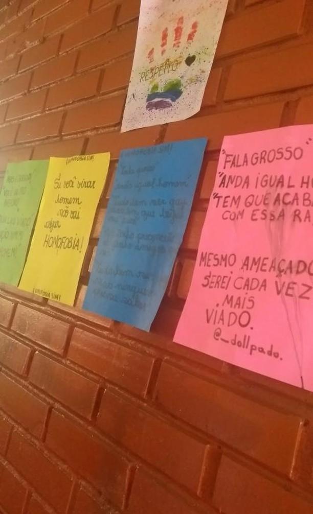 estudantes espalham cartazes homofobia após colega sofrer ofensas