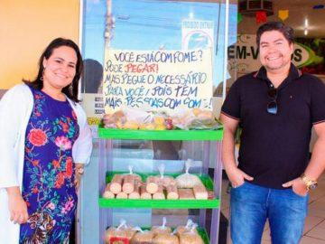 Dono de mercados, casal doa alimentos a pessoas carentes 1