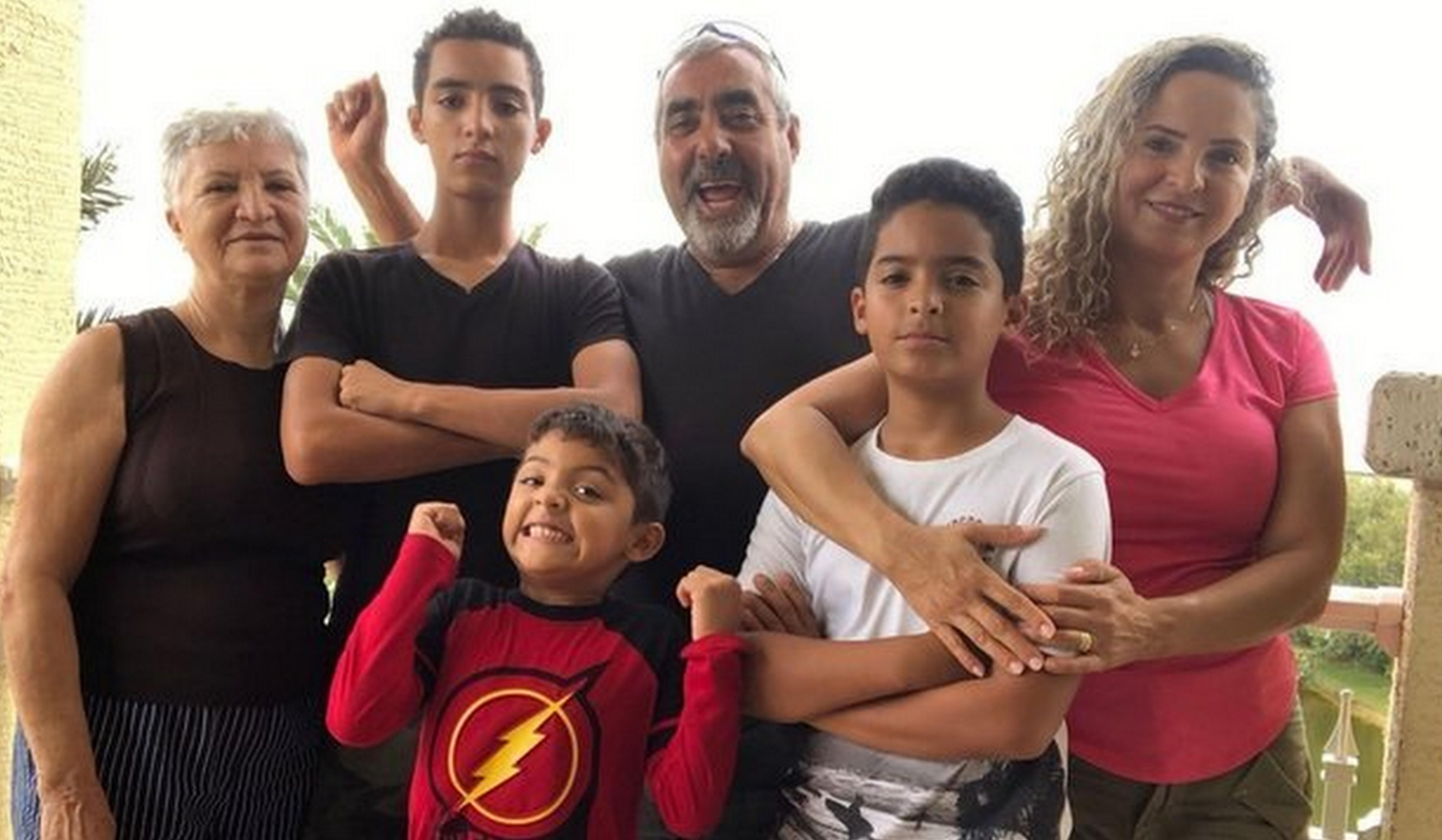 Brasileiros abrem suas casas para desconhecidos que fogem de furacão nos EUA 4