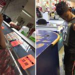 jovem compra carne menino pedia dinheiro rua