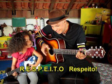 menina ensina respeito música
