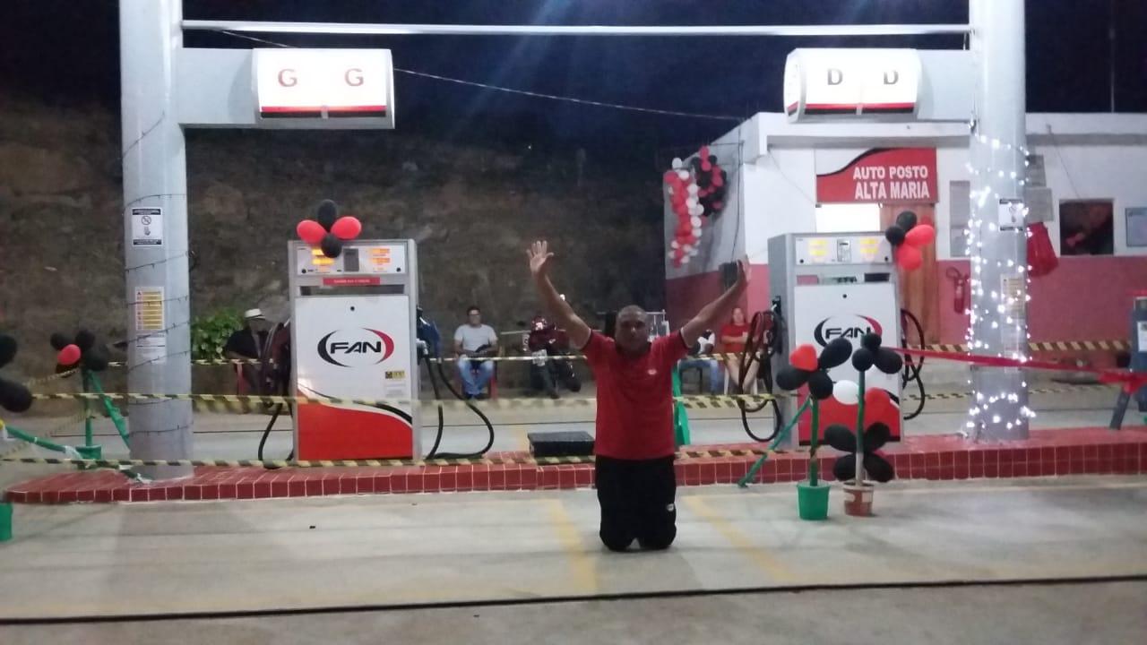 ex-catador inaugura posto gasolina