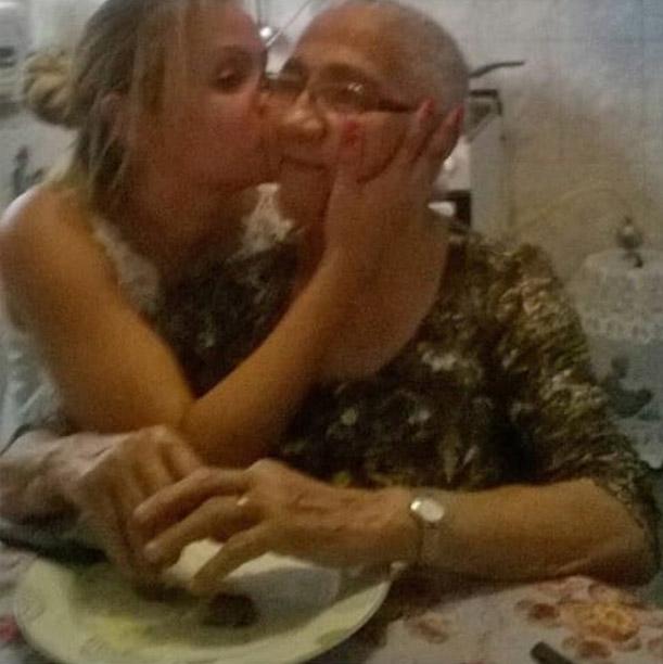 neta primeiro aniversário avó 84 anos