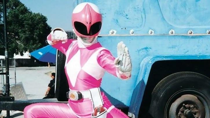 morador rua desconhecida power ranger rosa