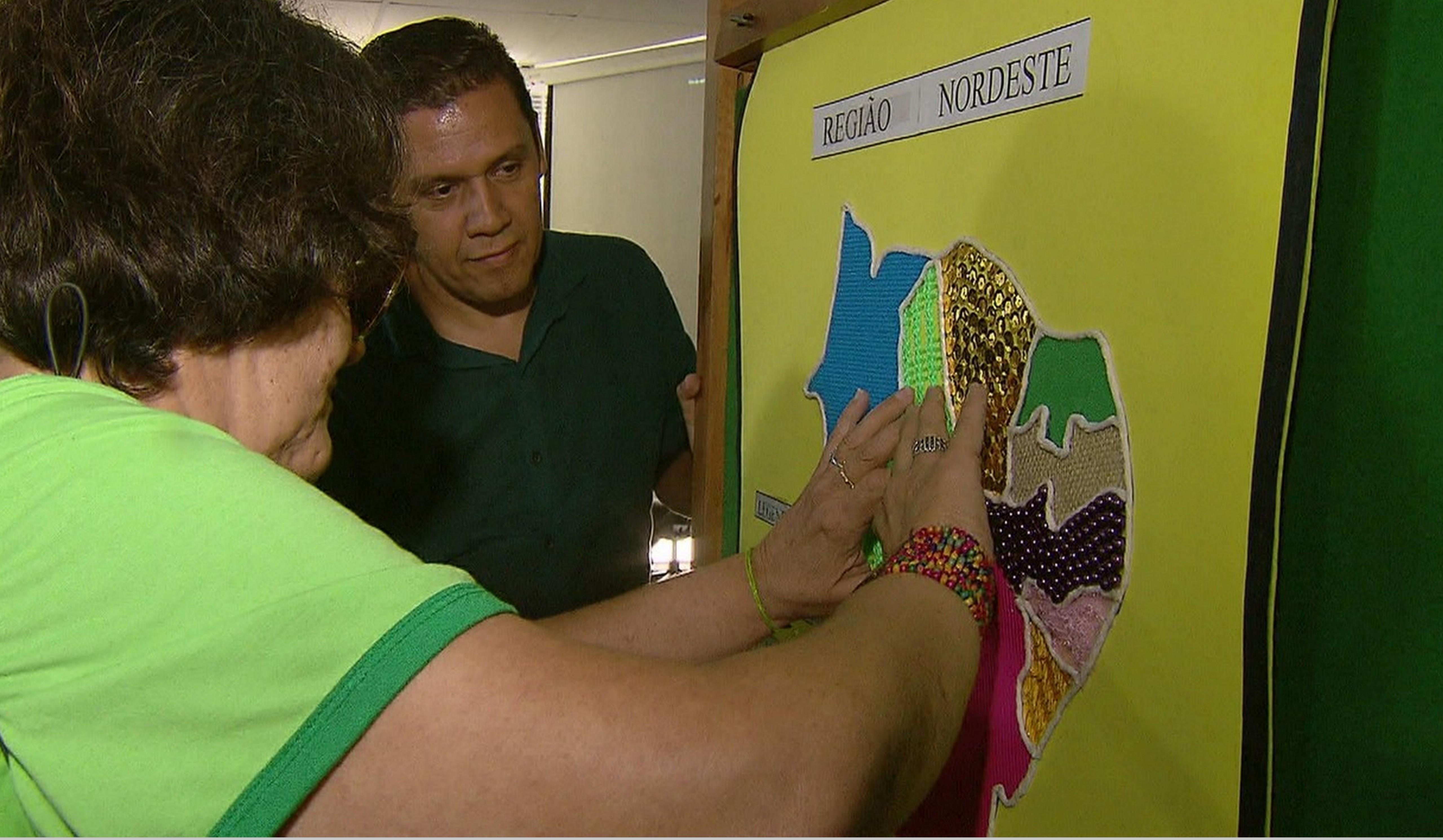 Professor cria mapas com textura para ensinar deficientes visuais 2