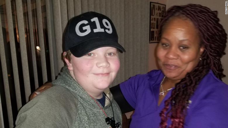 Após morte de melhor amigo, garoto de 12 anos arrecada R$ 10 mil para pagar funeral