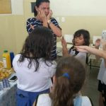 mães alunos chá de bebê professora