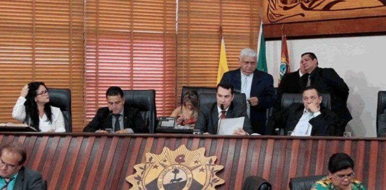 Deputados do Acre votam por fim de auxílios e vantagens indevidas