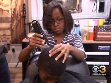 menina doa cortes cabelo moradores comunidade
