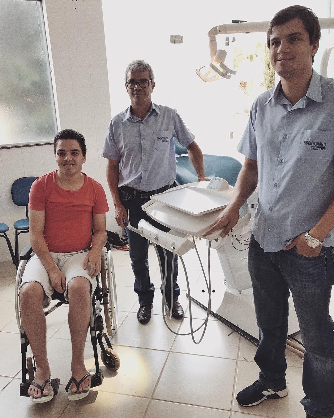 Estudante paraplégico de odontologia é exemplo de superação e inspiração entre colegas