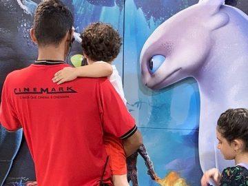 Funcionário de cinema na Bahia se aproxima de garotinho autista e o conquista com gesto emocionante 2