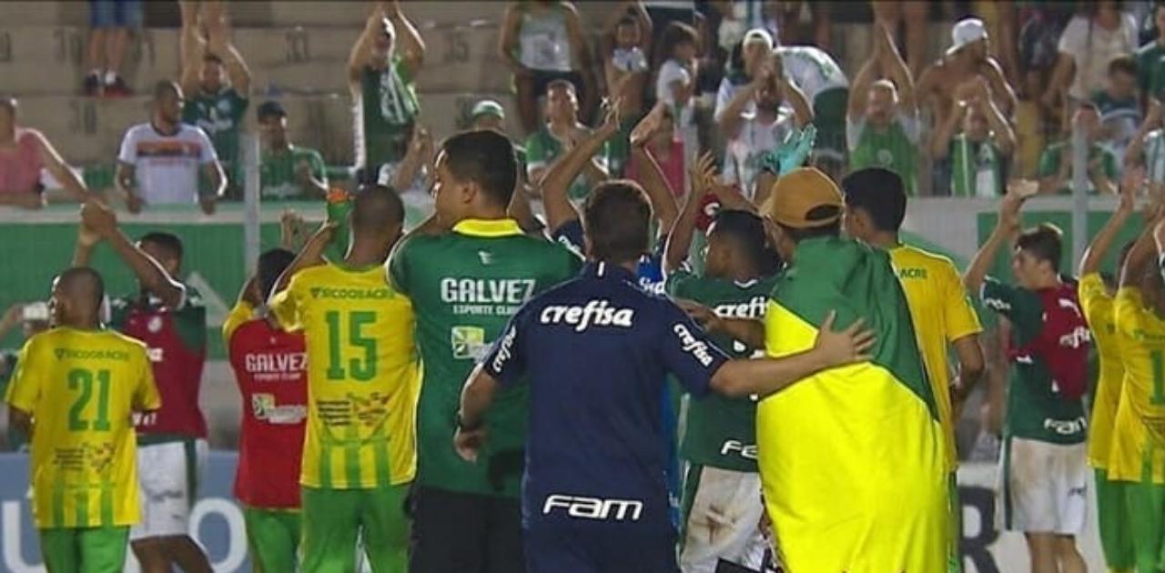 Sem ter como voltar para o Acre, Palmeiras banca passagens de rival