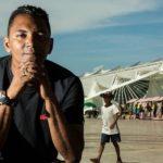 Ex-morador de rua se torna escritor e lança livro com auxílio de vaquinha online