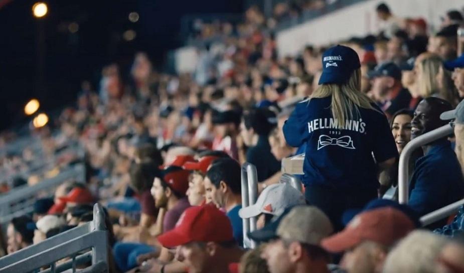 Campanha da Hellmann's contra desperdício de comida surpreende estádio lotado