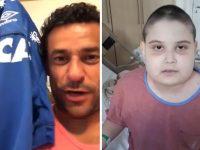 menino câncer cruzeiro ganha camisa autografada jogadores