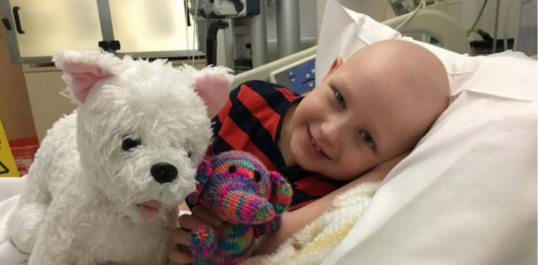Menino é curado de câncer graças ao tratamento com células-tronco usando cordão umbilical doado