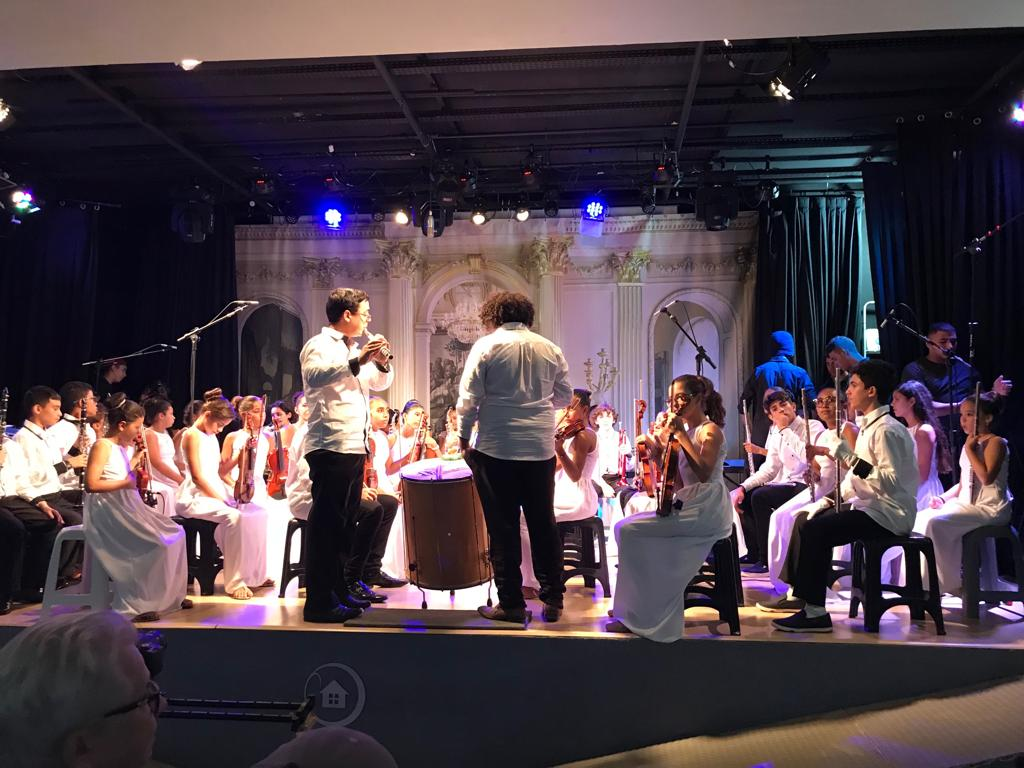 orquestra jeri tocando festival