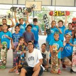 ela dava aulas skate gratuitas hoje é professor
