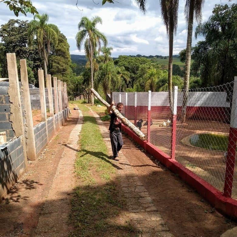 Morador de rua ganha novo visual e oportunidade de trabalho em SP