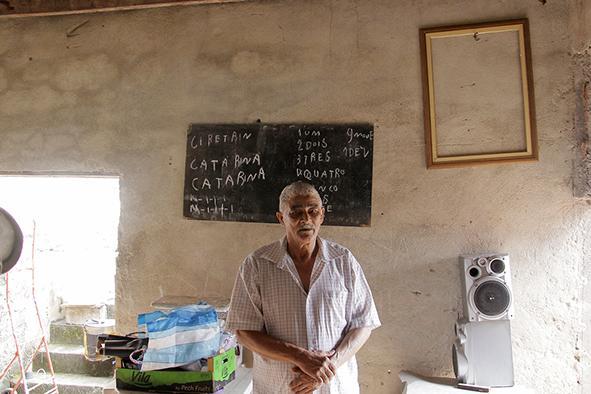 Após ser chamado de analfabeto e perder a carteira de habilitação, idoso aprende a ler e escrever e recupera CNH 3