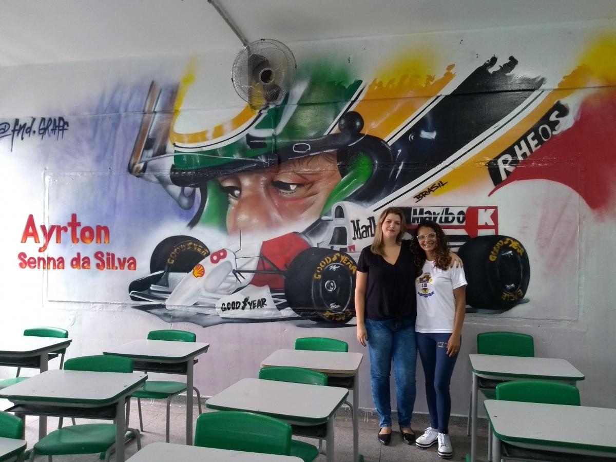 Grafites em salas de aula de escola em Guarulhos (SP) homenageiam personalidades brasileiras