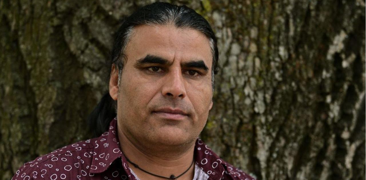 Herói muçulmano lutou contra atirador e chegou a tomar sua arma na Nova Zelândia