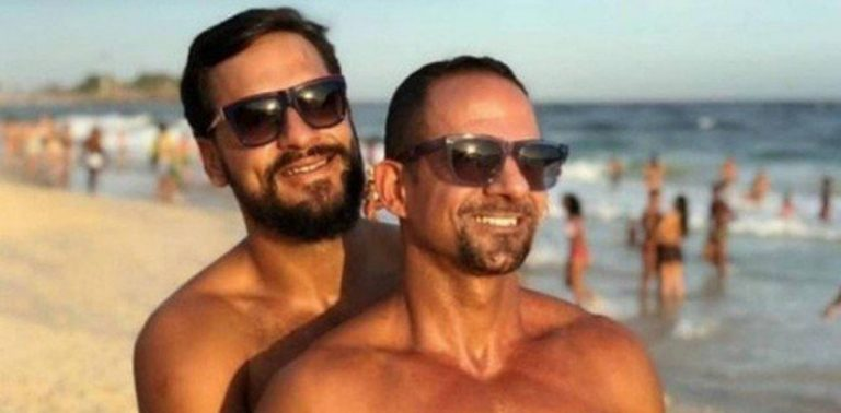 Major do Exército faz declaração de amor para marido e deixa homofóbicos no chinelo