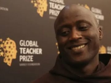Queniano é eleito melhor professor do mundo e doa 80% do prêmio de US$ 1 milhão para pobres