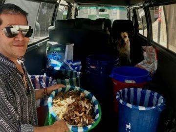 Empresário boliviano largou tudo para cuidar de cães abandonados 2