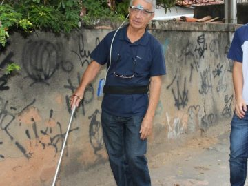 Em Macaé, (RJ) estudante cria óculos que detecta obstáculos e emite alertas para cegos 5
