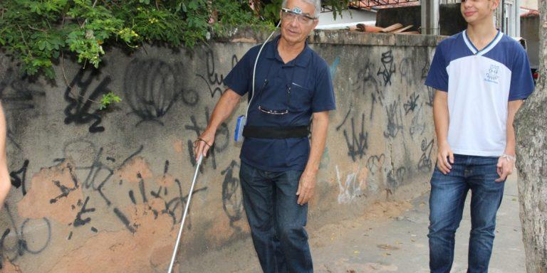 Em Macaé, (RJ) estudante cria óculos que detecta obstáculos e emite alertas para cegos 1