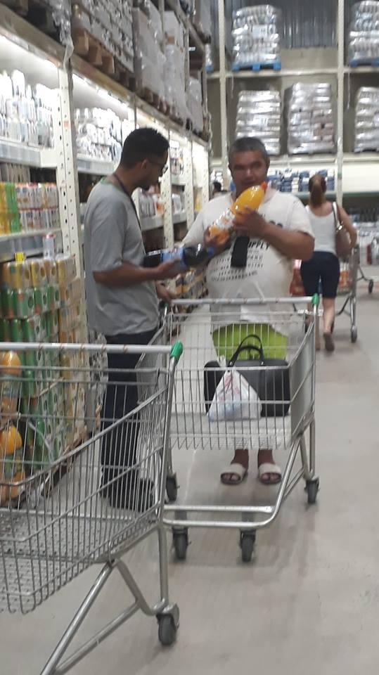 Funcionário supermercado surpreende paciência atendimento deficiente visual Praia Grande