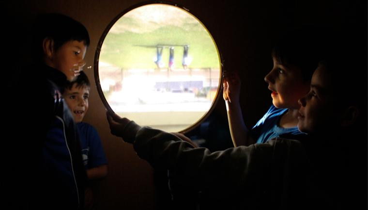 caminhão fotografia transforma olhares estudantes escolas públicas