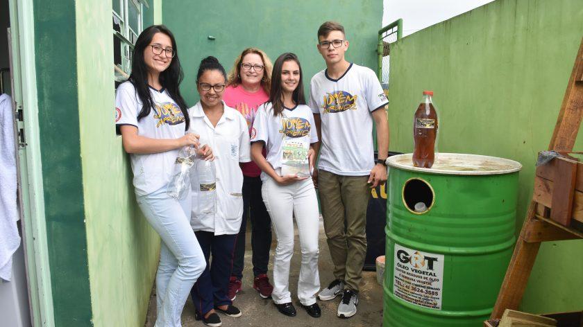 Projeto social promove descarte correto do óleo de cozinha em Jaguariaíva (PR)