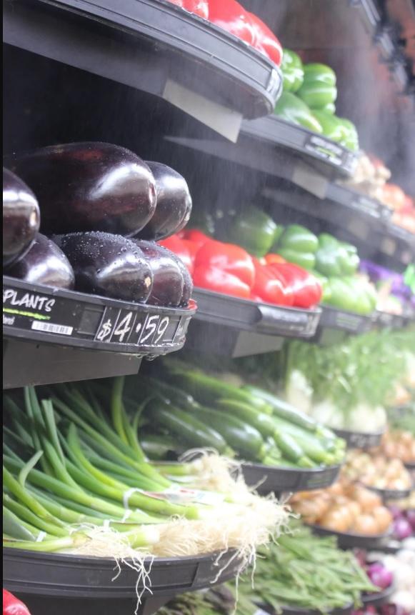 Supermercado retira plástico de frutas e verduras e vendas sobem 300%