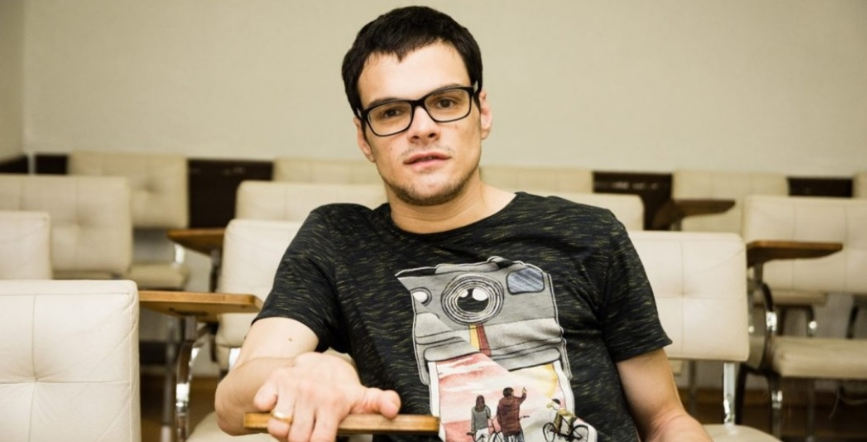 Jovem com paralisia cerebral é mais novo doutorando em Direito pela UENP