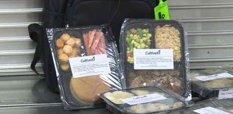 Escola transforma merendas não-consumidas em refeições para alunos carentes