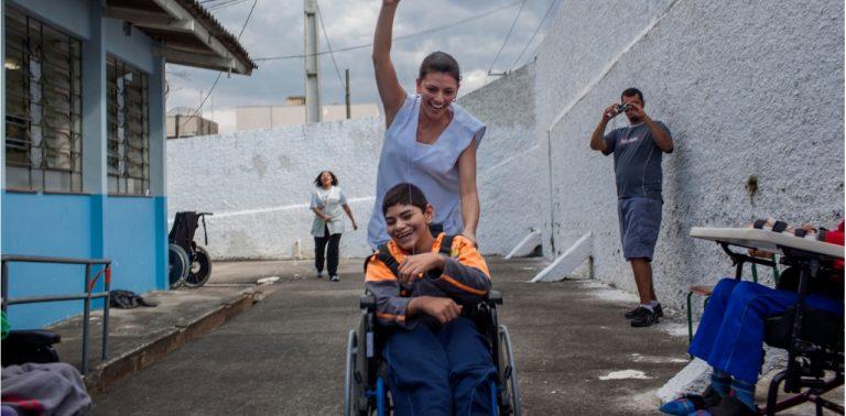 Campanha 'Mapa da Inclusão' apoia mais de 500 pessoas com deficiência em Curitiba (PR)