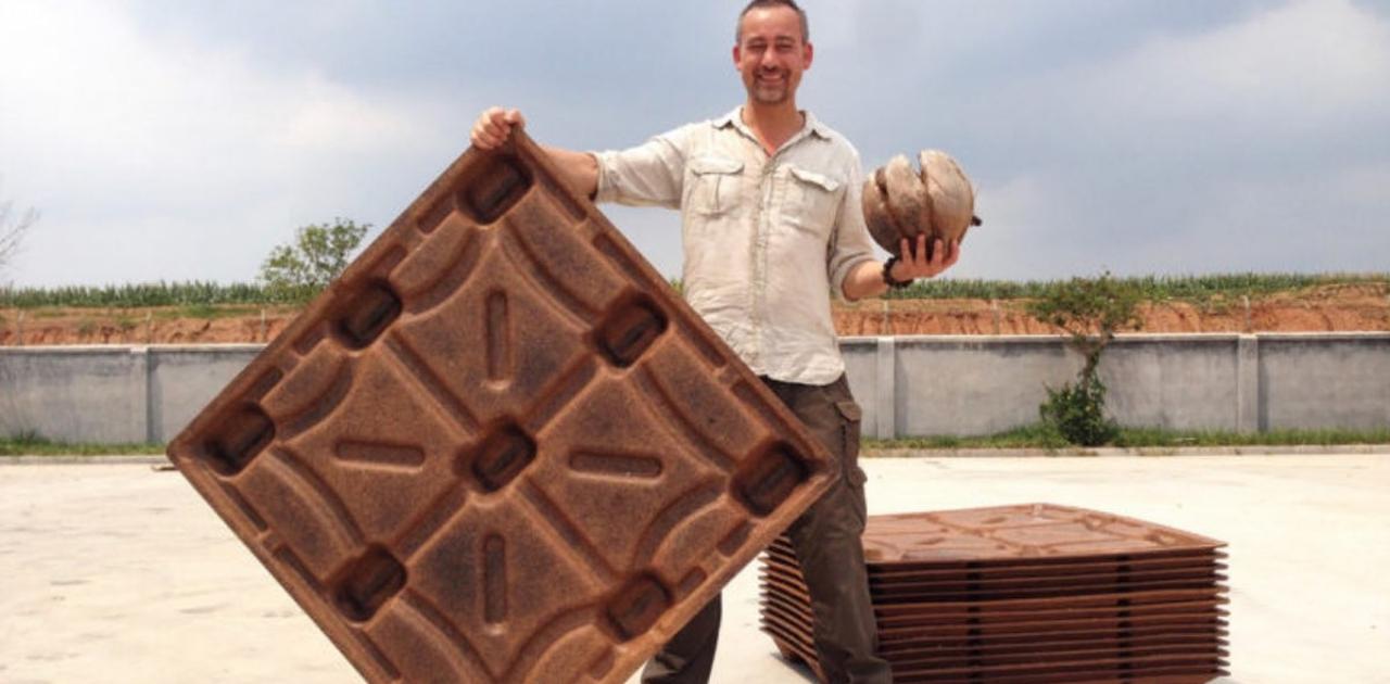 Paletes biodegradáveis de coco reciclado salvam mais de 200 milhões de árvores por ano