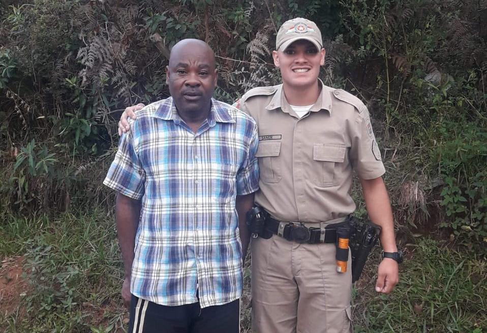 Após ser constrangido em agência, haitiano recebe ajuda de PMs em Santa Catarina 1