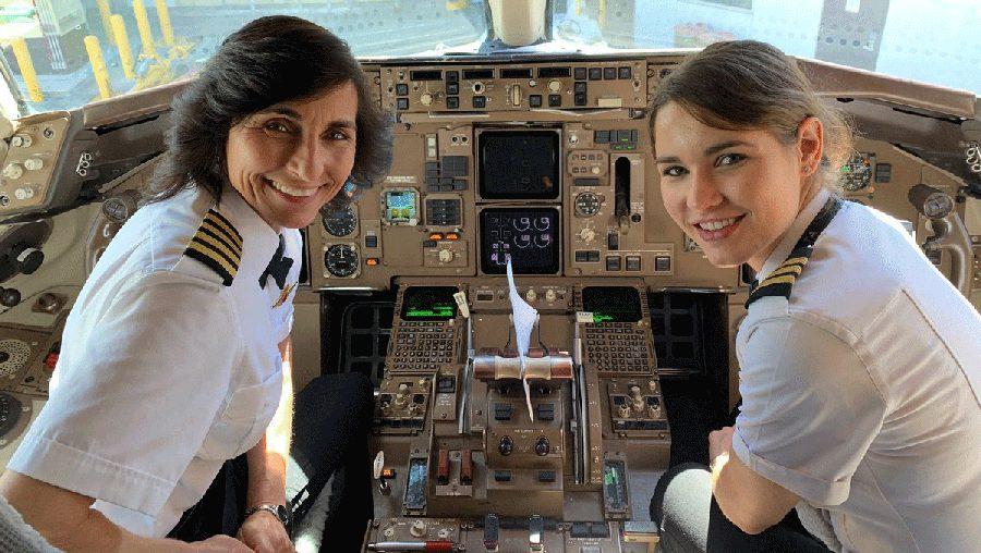 Tal mãe, tal filha: foto de pilotas viraliza nas redes sociais