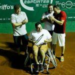 Educador físico usa o esporte para levar mais esperança a pessoas com deficiência