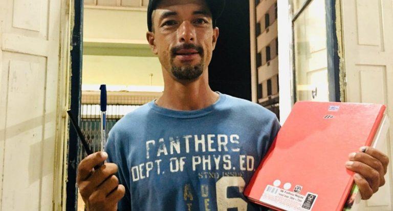 Morador de rua encontra nos estudos uma chance para recomeçar no Paraná