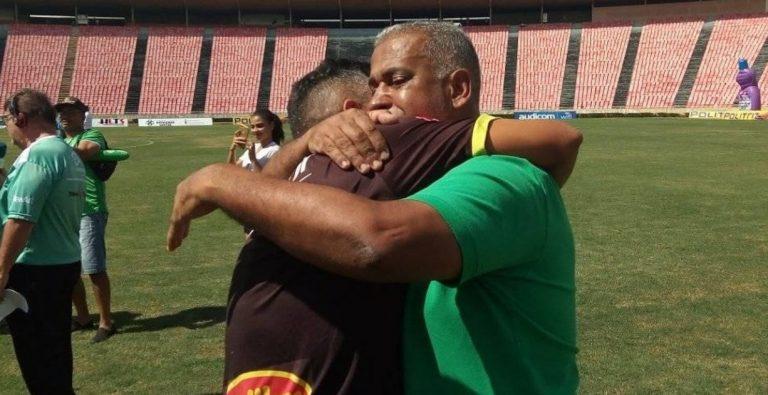 Pai e filho conduzem time de volta à elite do Mineiro após superarem infarto