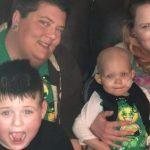 Após mulher se negar a ajudar criança com câncer por ela ser filha de mães lésbicas, vaquinha online dispara